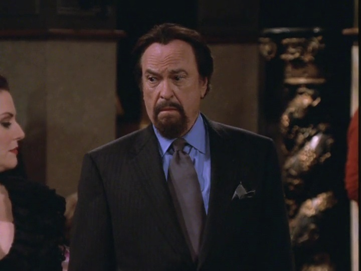 Rip Torn as Lionel Banks
